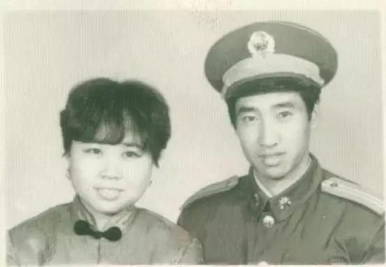 """【我们家的报国故事】岳父岳母的""""不二情书"""":老山前线通信两年,从未见面"""