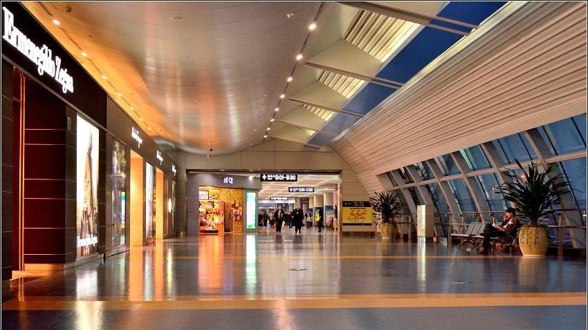 重庆拟规定:机场商品和服务价格不高于中心城区