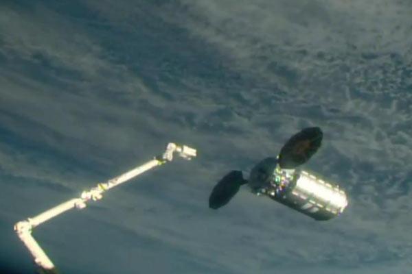 """""""天鹅座""""货运飞船抵达国际空间站"""