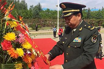 陆军78集团军某旅纪念董存瑞牺牲70周年