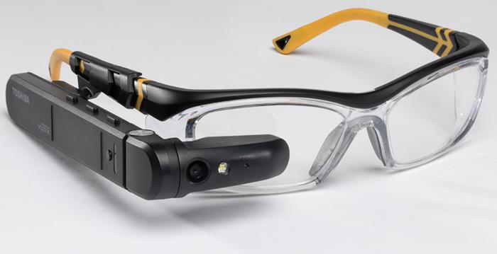 东芝发布dynaEdge AR智能眼镜 售价1900美元起