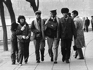 激荡四十年·中国时髦女郎的服饰变迁
