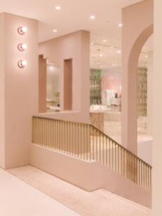 Lily商务时装16周年盛典在即试水智慧门店拥抱新零售