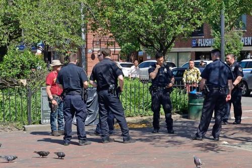 纽约白人以种族歧视字眼辱骂华人 警察:无法逮捕