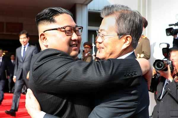 文在寅同朝鲜最高领导人金正恩举行第二次首脑会晤