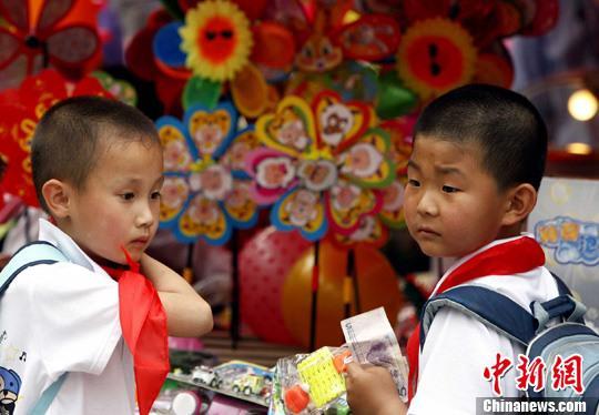 中消协发布玩具消费警示:磁力珠吞食可能危及生命