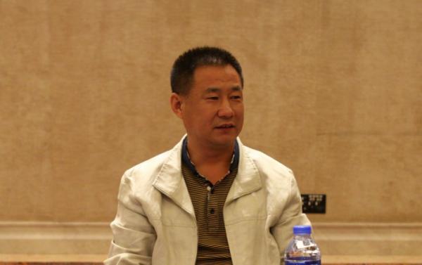 天津农商银行党委书记、董事长殷金宝在办公室割腕身亡