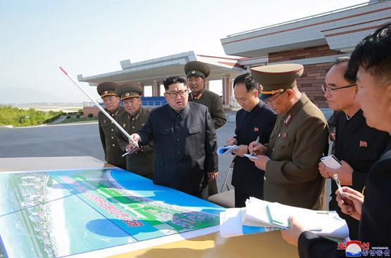 朝鲜最高领导人金正恩视察元山旅游区工地 要求明年4月前后完工