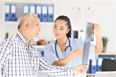 百岁老人反复肺炎 病因竟然是胃反流