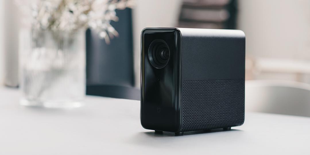 米家发布3999元投影仪 800流明+1080P分辨率