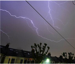 伦敦地区雷暴预警不断 或迎来第二轮雷雨