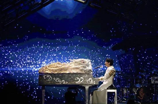 王力宏《飘向北方》获五项大奖 巡演火热进行