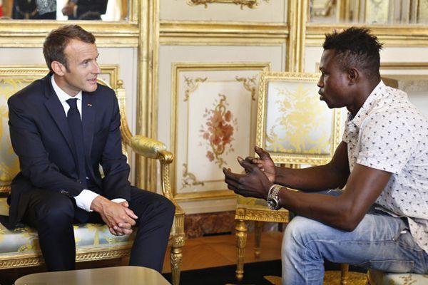 马里移民在巴黎勇救遇险幼童 获法国总统马克龙接见