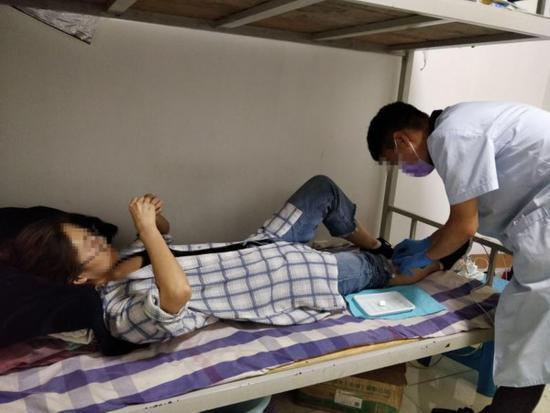 """山东现""""共享护士"""" :APP下单 护士上门打针输液"""