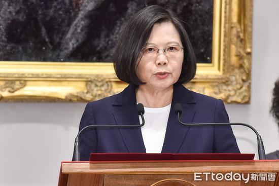 """陈水扁怂恿蔡英文""""独立公投"""" 台网友:统一不远了!"""