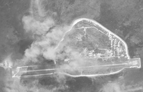 美国智库亚洲海事透明倡议组织近日发布的卫星照片显示,菲律宾正在其非法占领的中业岛上翻修机场跑道。