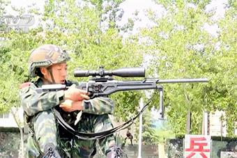 河北武警演练:狙击手头盔很美式