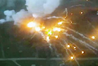 乌克兰再次发生军火库爆炸 疑被敌人一炮引爆