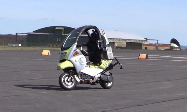 AB Dynamics演示自动驾驶轻便型两轮摩托车