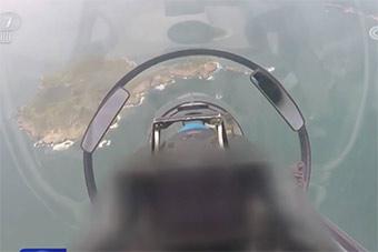 海军自由空战演练 机内视角俯冲攻击很罕见