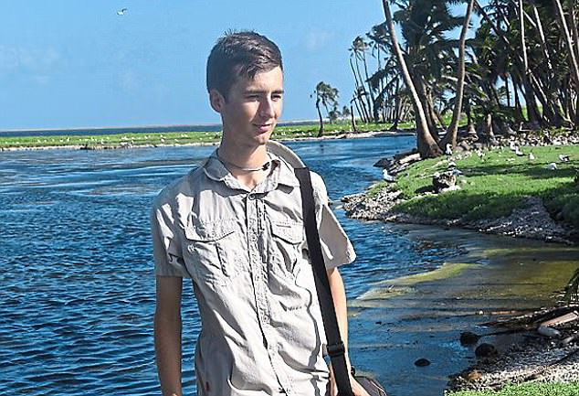22岁男子伪装成贵族公子组织富豪旅游