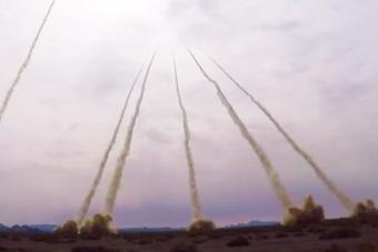 弹雨来了!实拍解放军远程火力群实弹演练