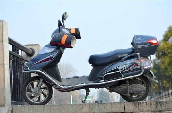 北京拟规定电动自行车需上牌 最高时速不得超过15公里