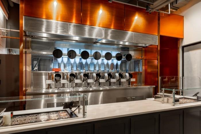 拥有机器人厨房 Spyce餐厅成本大幅降低