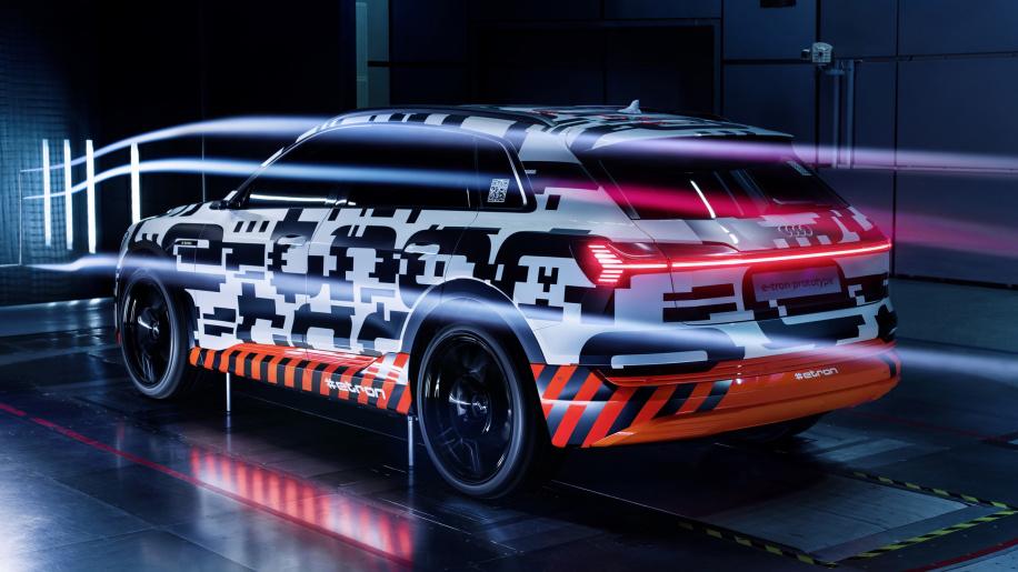值得期待 奥迪曝光黑科技加持的E-Tron原型车