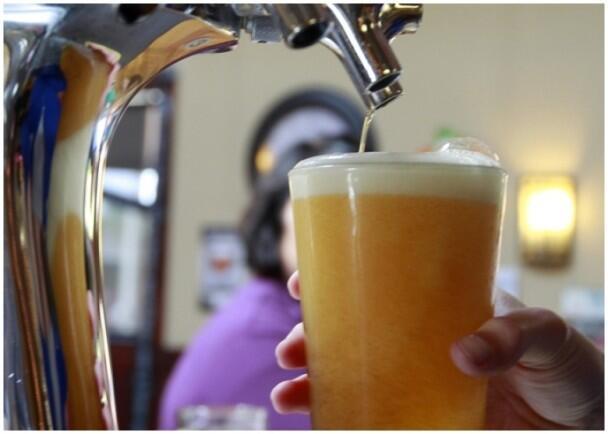 英国啤酒节将首推无酒精啤酒 网友:还不如喝水