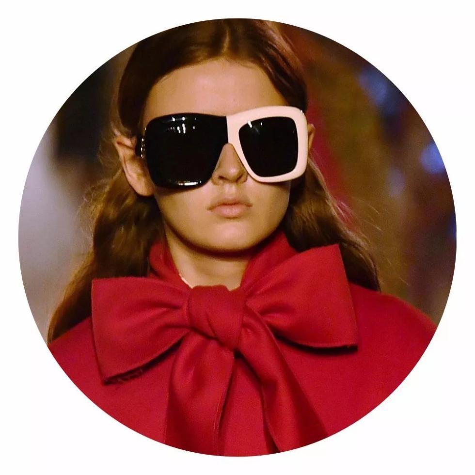 在火焰中穿行,春春时时开奖号码与倪妮为你打开Gucci的新维度空间