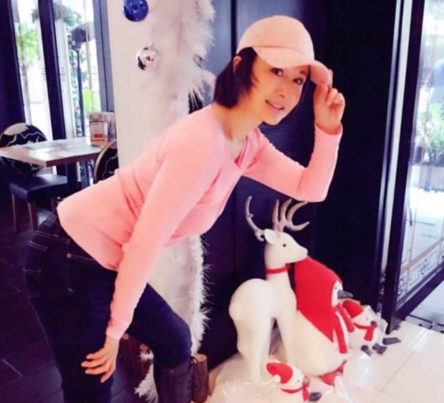 她从48岁开始健身,重庆时时开奖号码上必发彩票在52岁这年,竟有了20岁的身材?