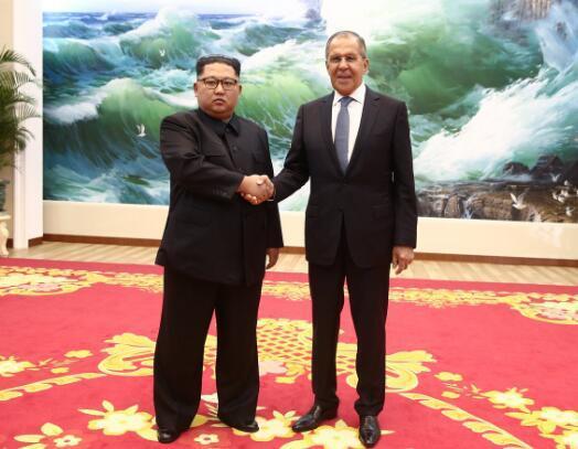 俄媒:金正恩在平壤会见俄罗斯外长拉夫罗夫