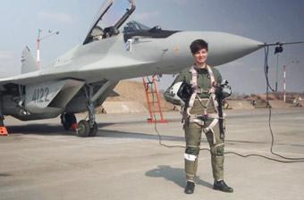 波兰首位米格-29战斗机女飞行员亮相