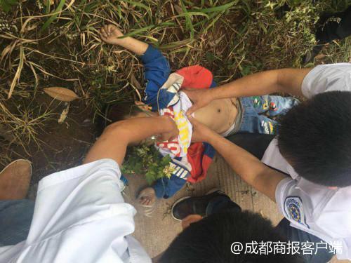 刚参加完儿童节表演 4岁男童和外婆被教练车撞死