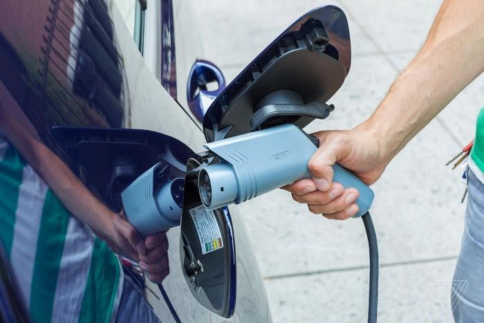 美国三个州宣布启动13亿美元电动汽车充电站项目