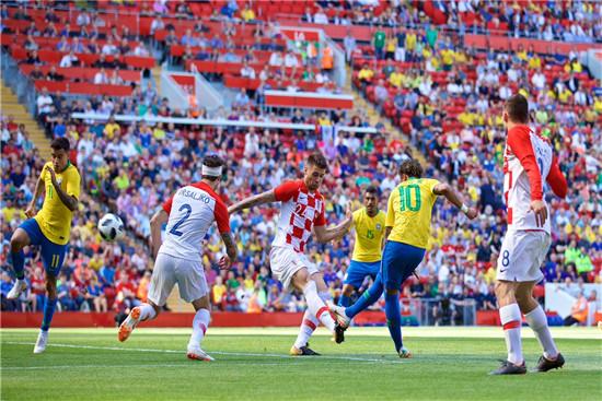 内马尔满血归来1V3破门 巴西2-0克罗地亚
