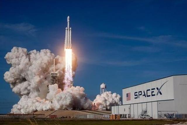 太空探索遇挑战 Space X载人绕月飞行计划将推迟