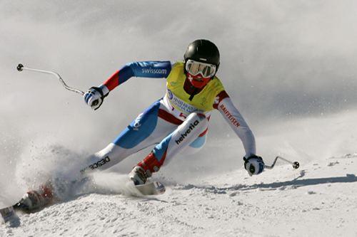高山滑雪启动跨项选材 600余人报名参与