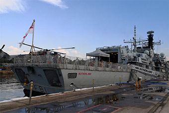 越来越近:叫嚣要巡航南海英国军舰抵达新加坡