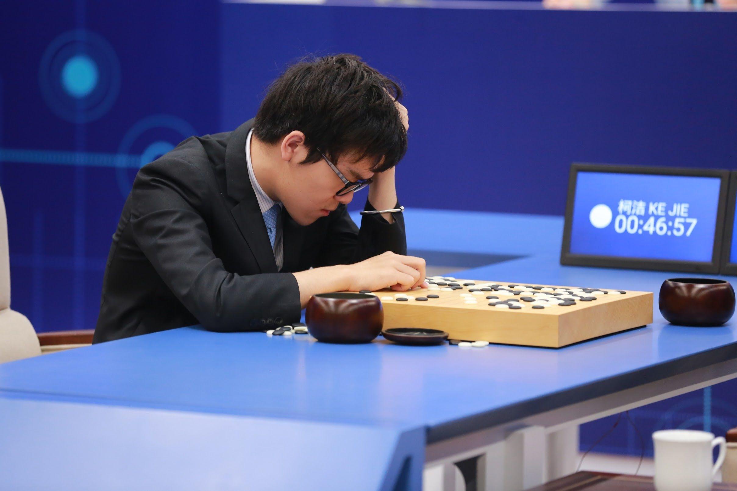 与AI 争输赢不现实 那我们还能与AI怎么玩?