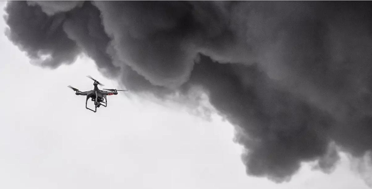 无人机在美成功营救基拉韦厄火山灾区男子