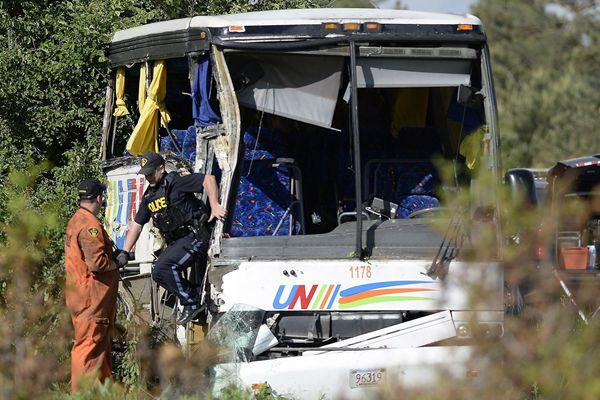 加拿大一巴士发生事故 24名中国游客受伤