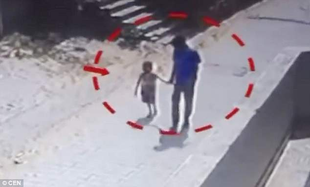 印度店员奸杀老板4岁女儿后淡定回店上班