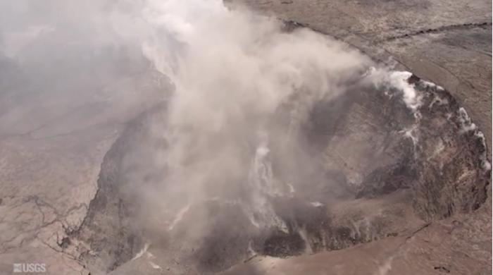 夏威夷火山现神秘裂缝 科学家忧心大规模爆发