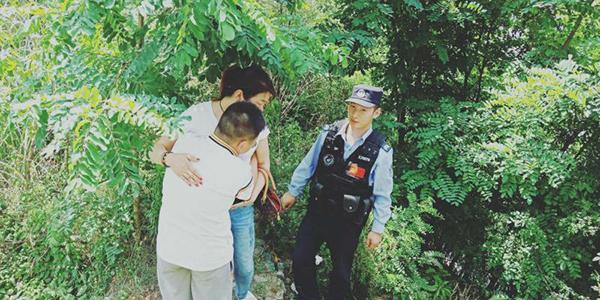 """14岁男孩逃学自导""""被绑架"""" 警方:孩子演得挺好"""
