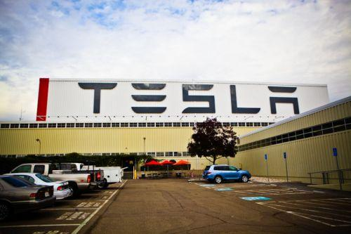 特斯拉上海工厂:生产电池 组装汽车