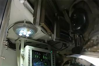 国产装甲车内部设备很先进