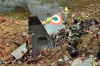 又双叒叕摔机了!印空军准将驾机训练时坠毁丧生