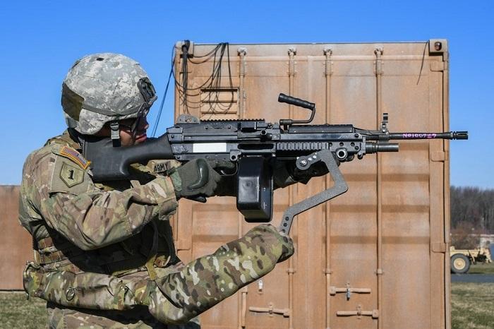 """美国陆军为士兵研制""""第三只手臂""""提升射击精度"""
